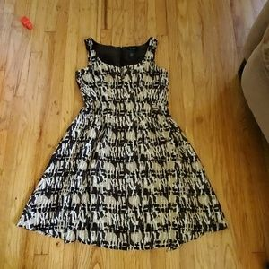 Access brown patterned dress